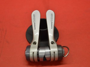 Shimano 105 shifters sl-1056 sis index/friction 8 speeds down tube braze on