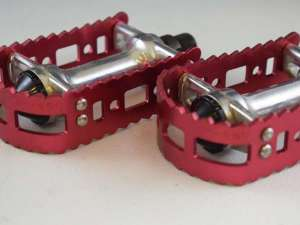 VP Victor 450 9/16 pedal set old school bmx Vintage Anodized red aluminium NOS